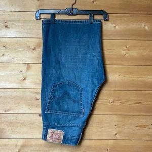 Levi's loose straight 569 jean shorts size 32 EUC